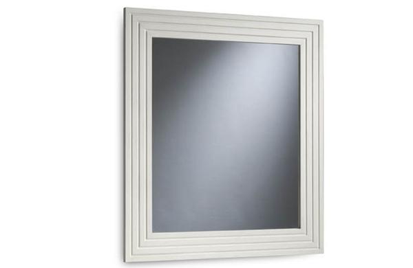 Espejo moderno ancho con detalles estriados for Espejo marco wengue
